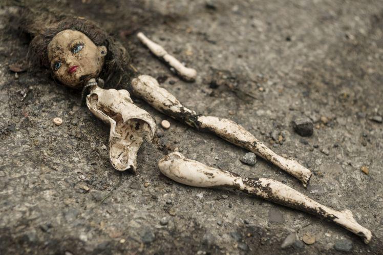 doll broken