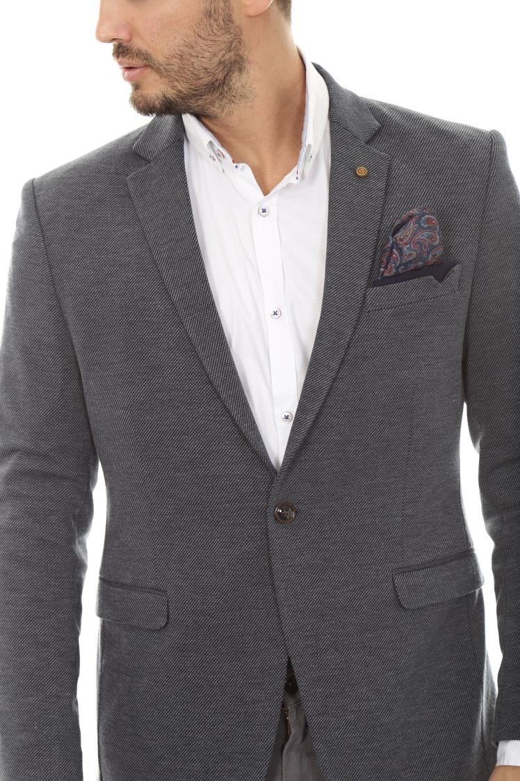 jacket-3740349_1920